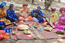 Don Ca Tai Tu folk song new thumb - Ho Chi Minh City tours
