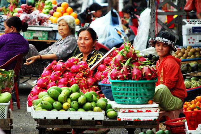 Fruit shop in Binh Tay Market - Ho Chi Minh City tour