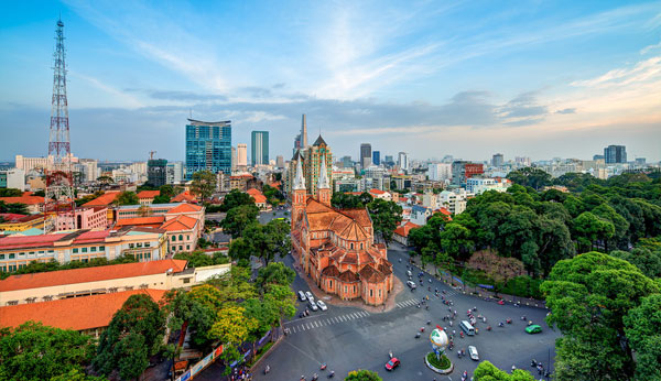 Traveling to Notre Dame Cathedral in Ho Chi Minh - Switchboard providing tourist help