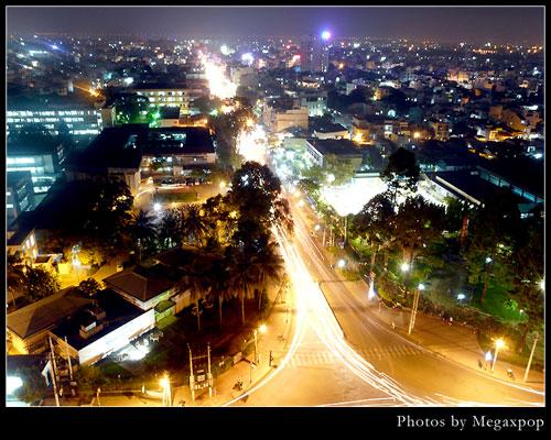 Sparkling corner of Saigon at night - Ho Chi Minh City travel guide