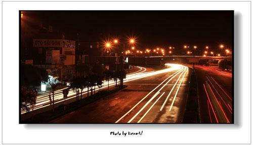 Quiet night street Saigon - Ho Chi Minh City travel guide